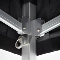 Blokkeersysteem met trekpin om dak te vergrendelen van de plooitent